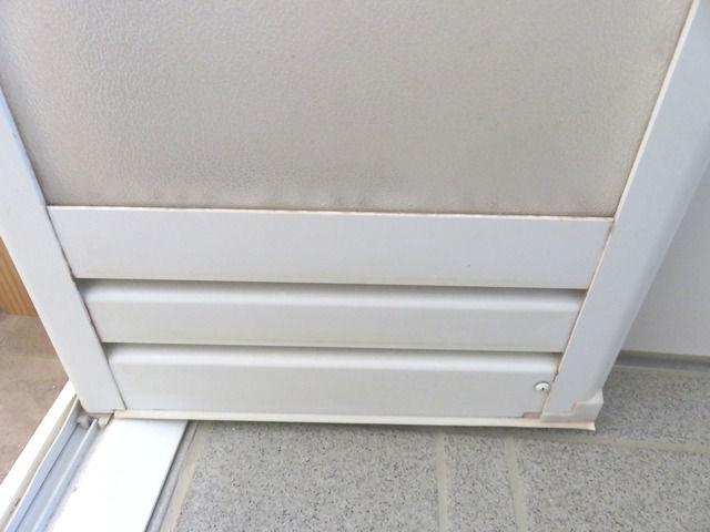 タカラ ユニットバス ミーナのお風呂扉の汚れ