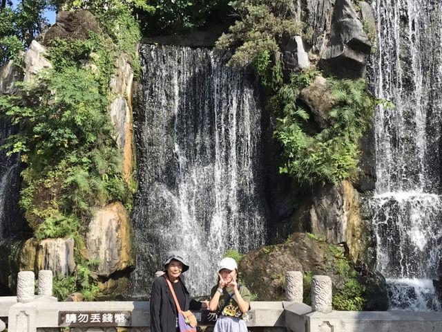 台湾龍山寺の滝