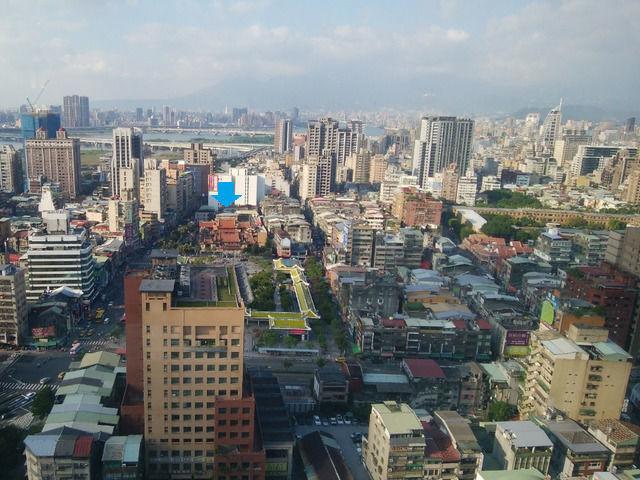 シーザーメトロ台北の30階の部屋からの眺望