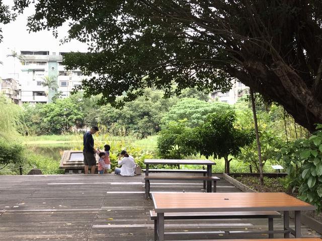 松山文創園区の公園の様子