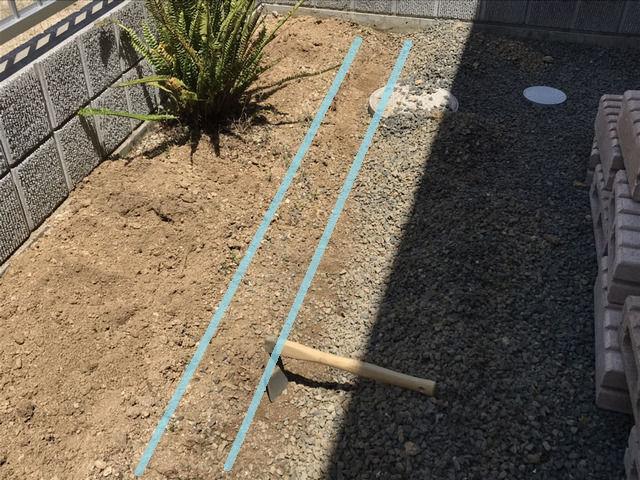 花壇づくりの作業 整地