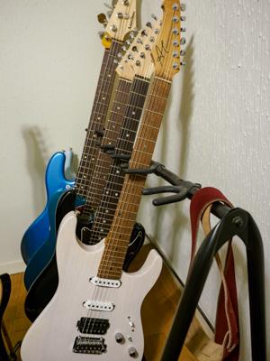 ギタースタンドベースと、テレキャスと・・・