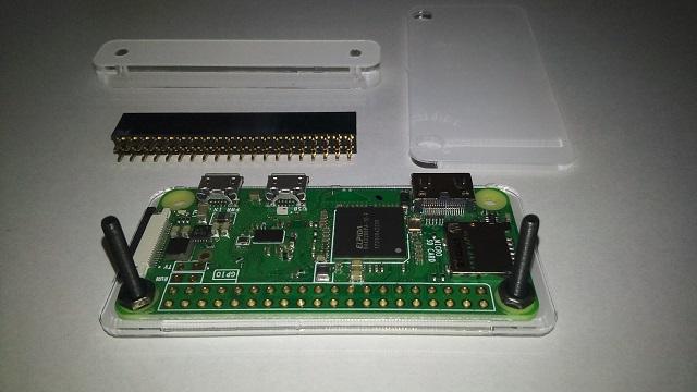Raspberry Pi Zero WにGPIOヘッダーの部品を付ける1