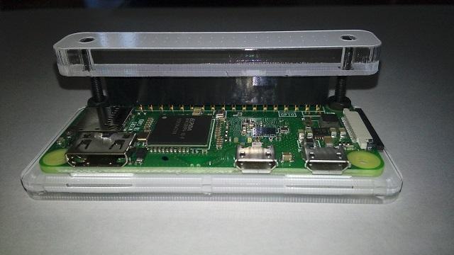 Raspberry Pi Zero WにGPIOヘッダーの部品を付ける2