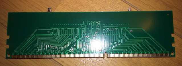 DDR3メモリ変換アダプター(裏)