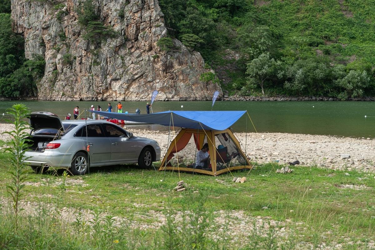 キャンプ,川,山