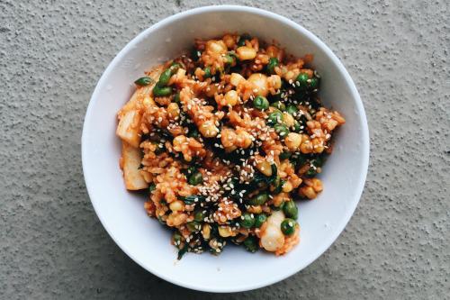 peonyhaze: My own messed up version of bibimbap! Rice, rice...