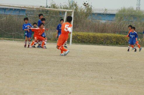 FKのチャンスだったが、リキんだためかゴールを外れてしまう。