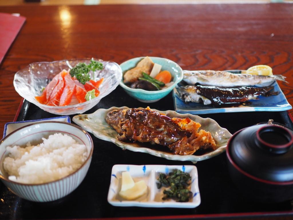 川魚料理 うまや やまめ尽くしの定食