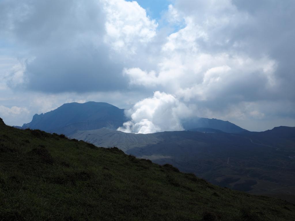 杵島岳から見える阿蘇山
