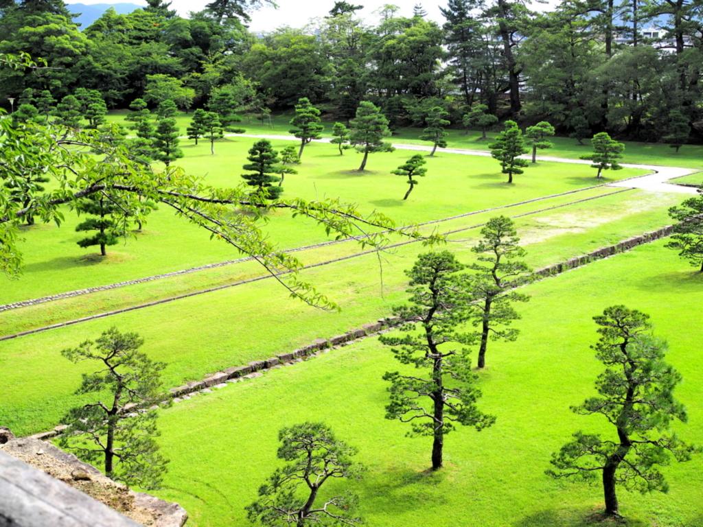 松江城の庭