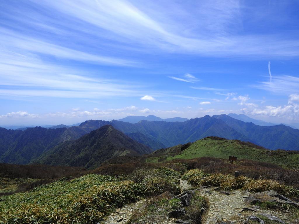 笹ヶ峰 愛媛の山々を一望