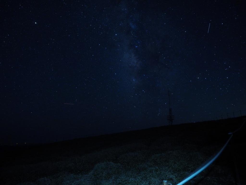剣山ナイトハイク 山頂 流れ星