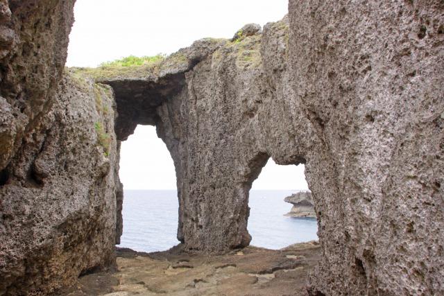 徳之島 観光 メガネ岩