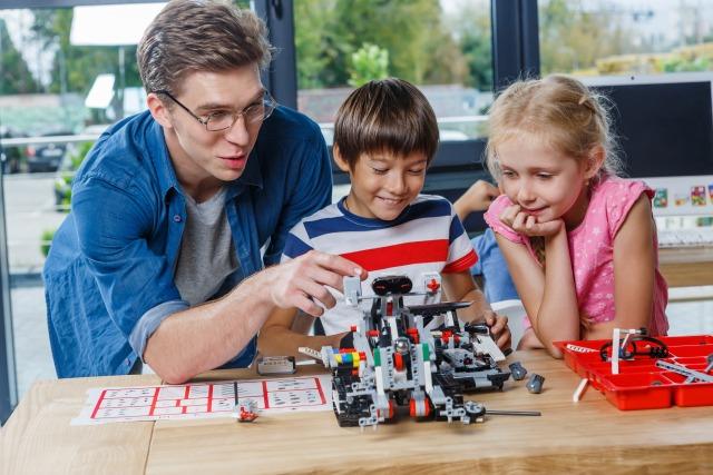 ロボット教室のプログラミングは?