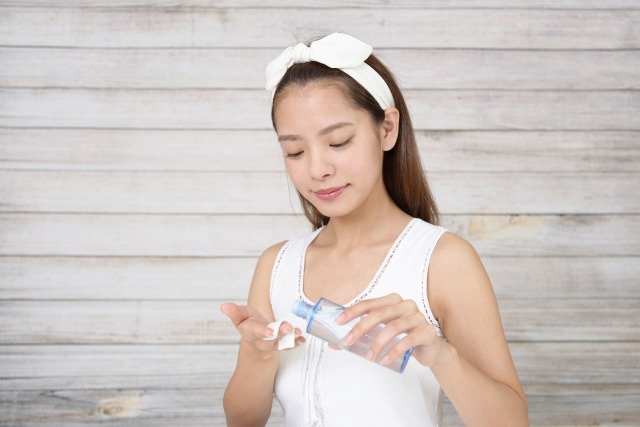 メラノ㏄美容液を使うベストタイミングは化粧水後!