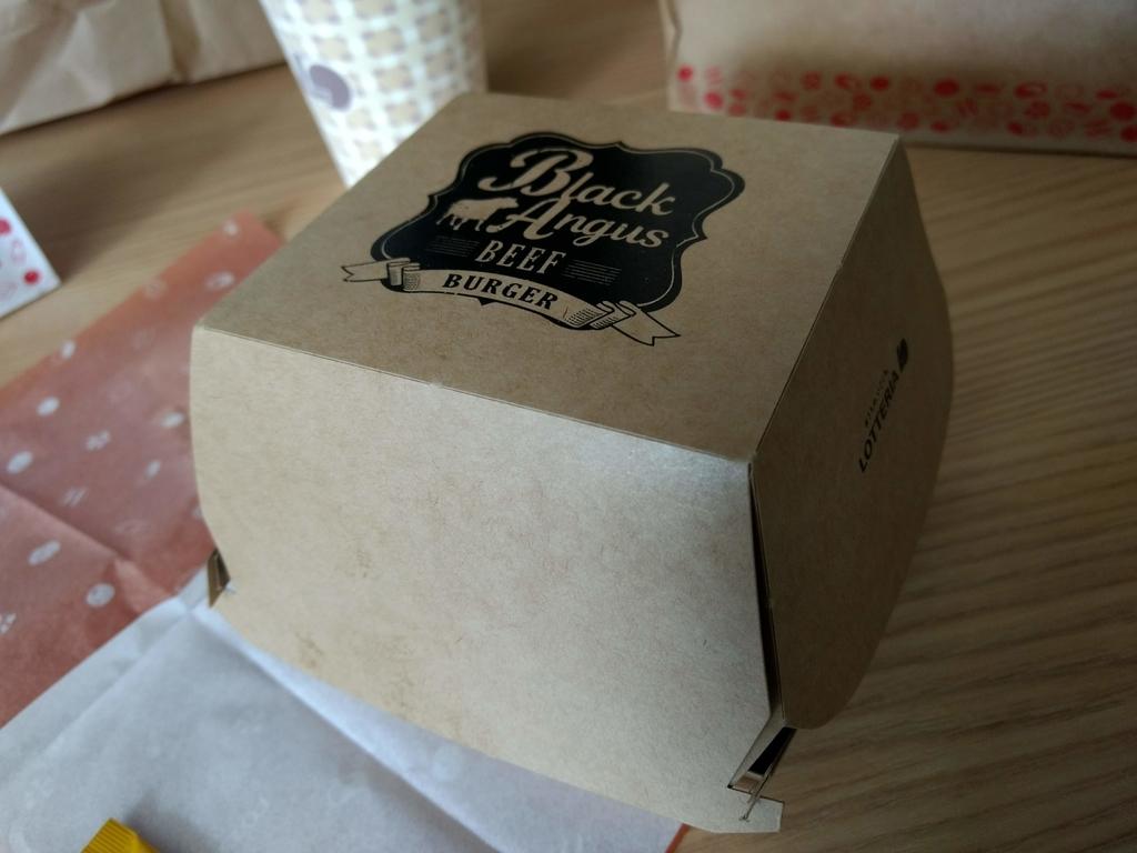 『ブラックアンガス牛ローストビーフバーガー』の箱