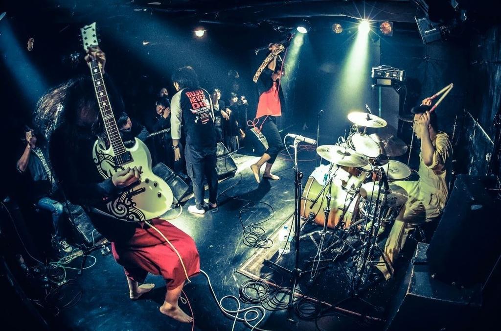 エンターテイメント性ある佐賀のバンド『ハリケーンミキサー』