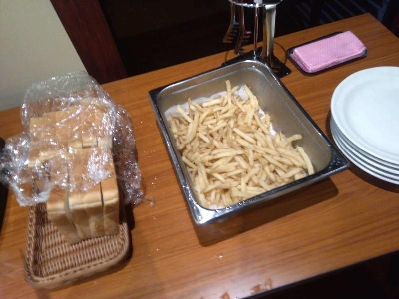 快活クラブの無料モーニング食べ放題のフライドポテトは作り置き