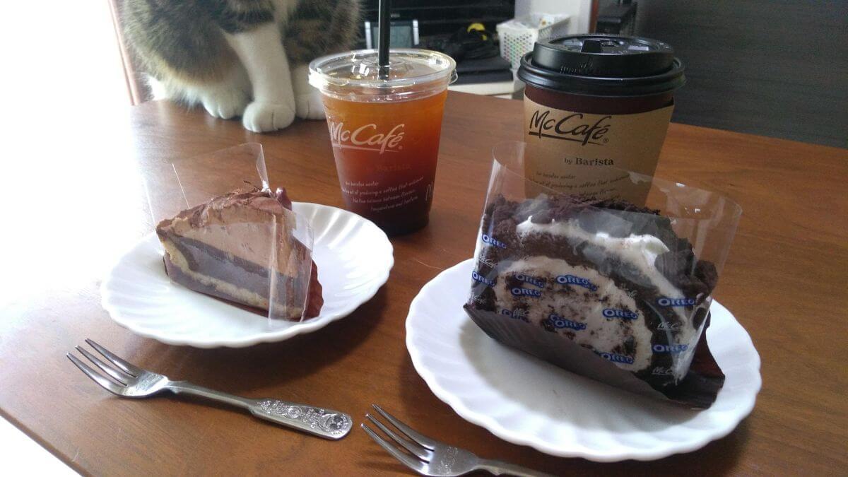 マックカフェバイバリスタのチョコレートタルトとオレオロールケーキ