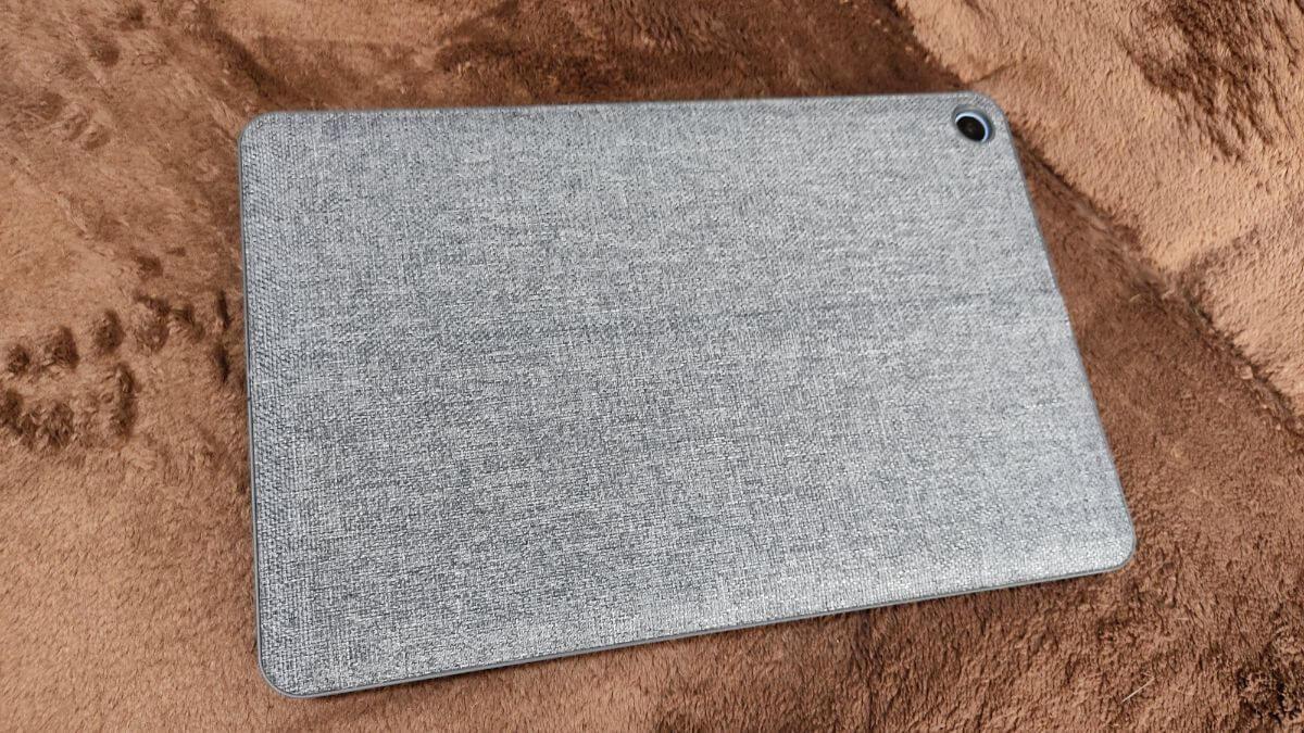 Chromebook Ideapad Duetにスタンドカバーを装着