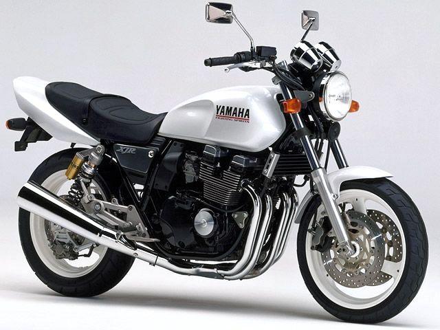 xjr400sが追加。オーリンズサスペンションを装備した上級モデル。