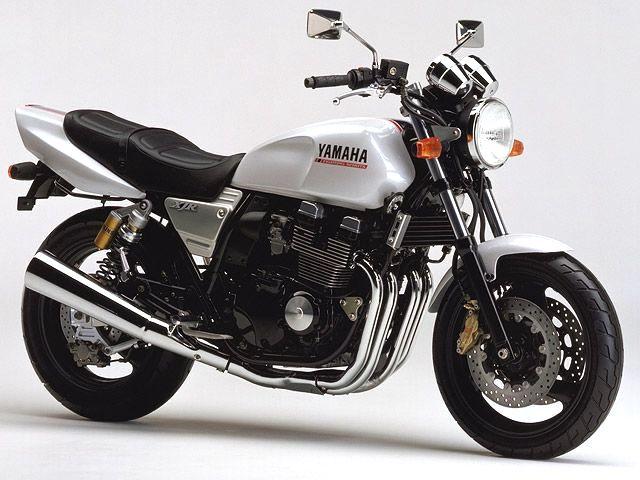 1995年xjr400r新登場。