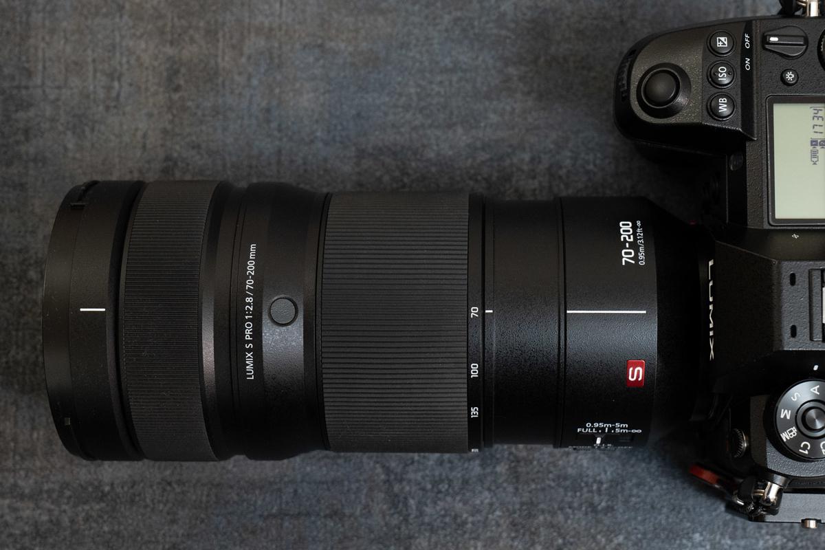 LUMIX S PRO 70-200mm F2.8