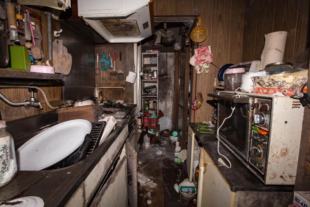 廃墟と化した台所