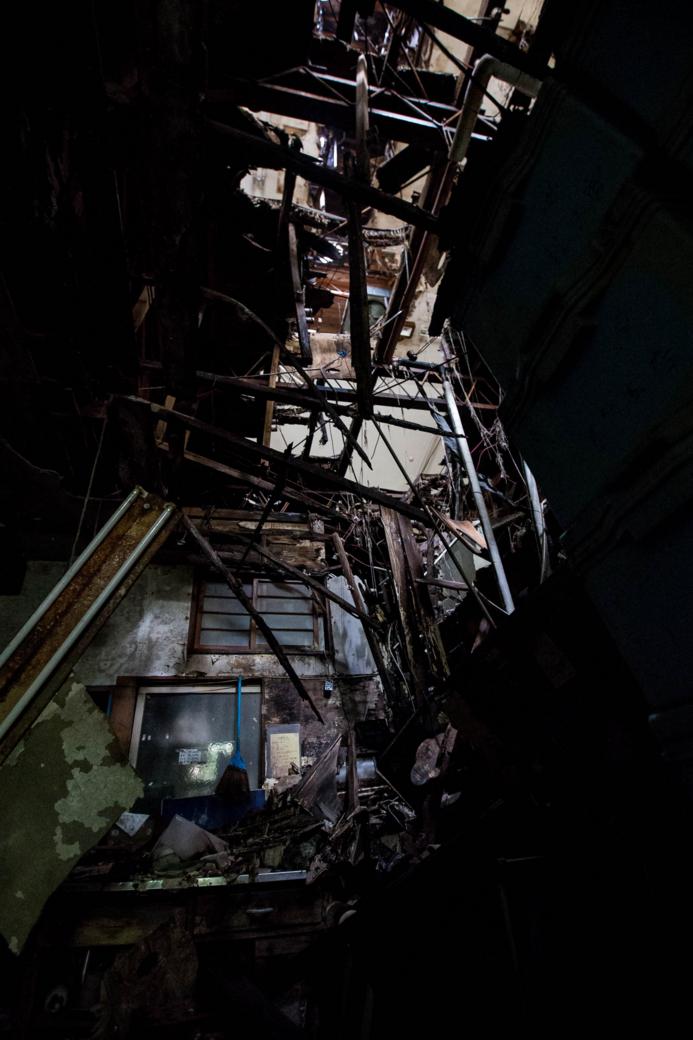 崩れた天井