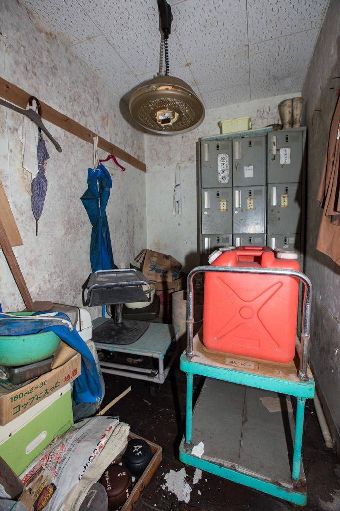 ロッカーのある部屋