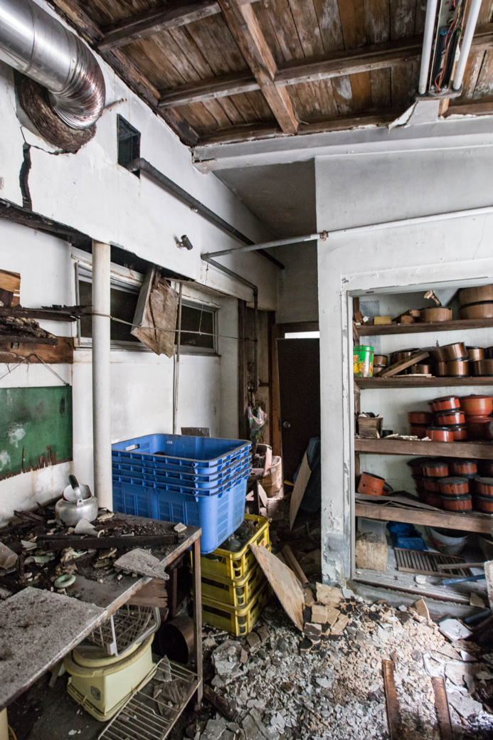荒廃した調理場
