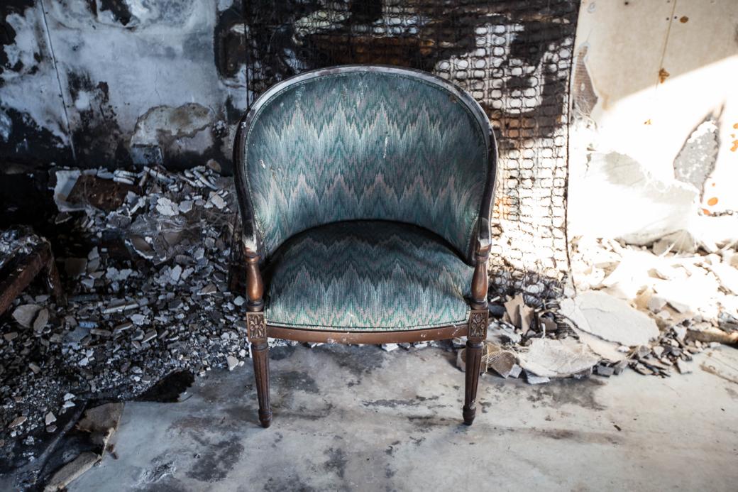 放置された椅子