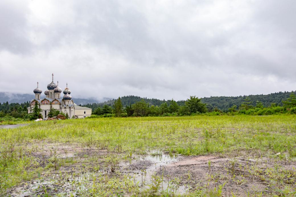 瓦礫が撤去され物寂しげになった新潟ロシア村