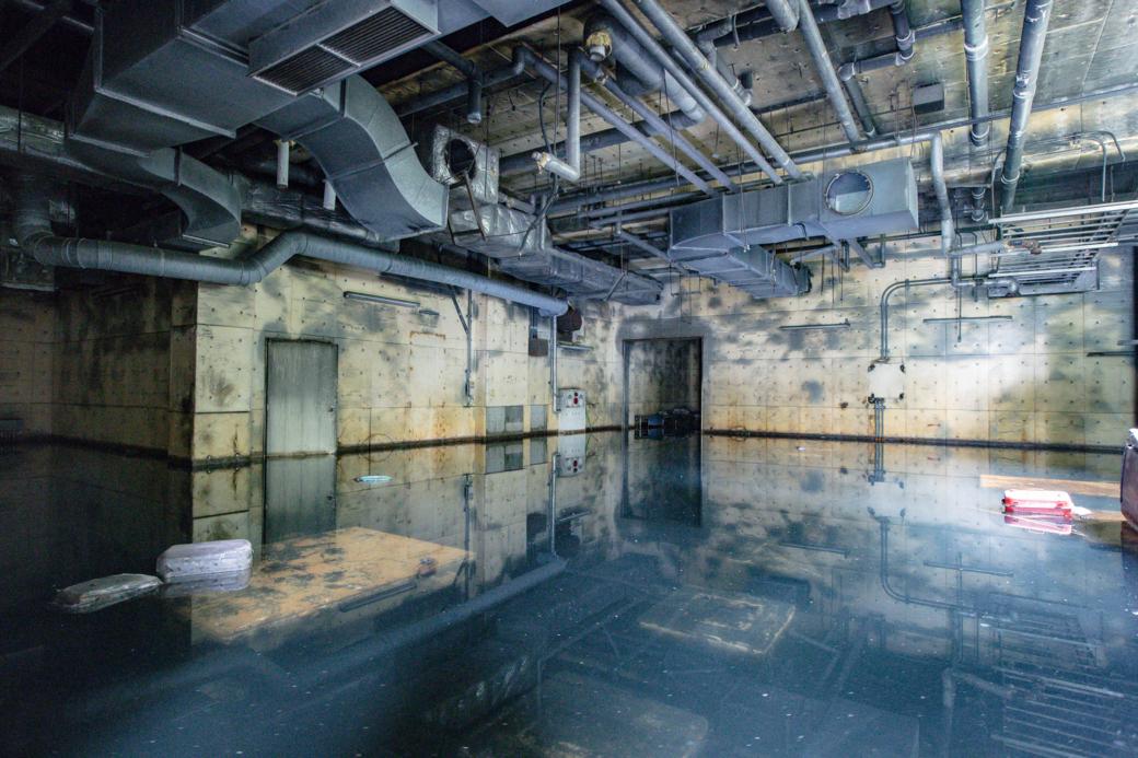完全に浸水した地下