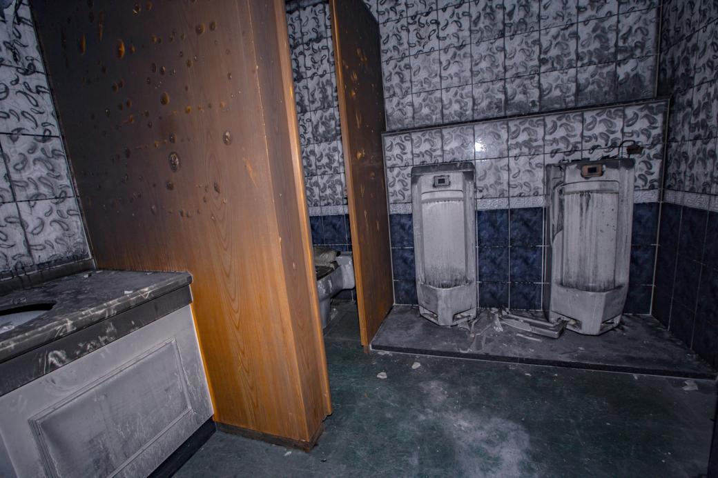 ロシア村男子トイレ