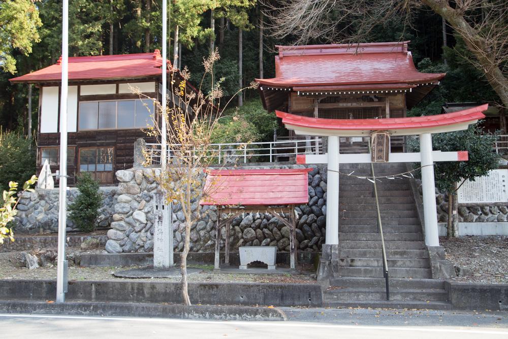 埼玉県秩父郡長瀞にある白鳥神社の景観