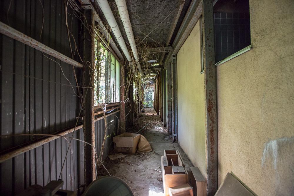 モテル北陸の312号室につながる廊下