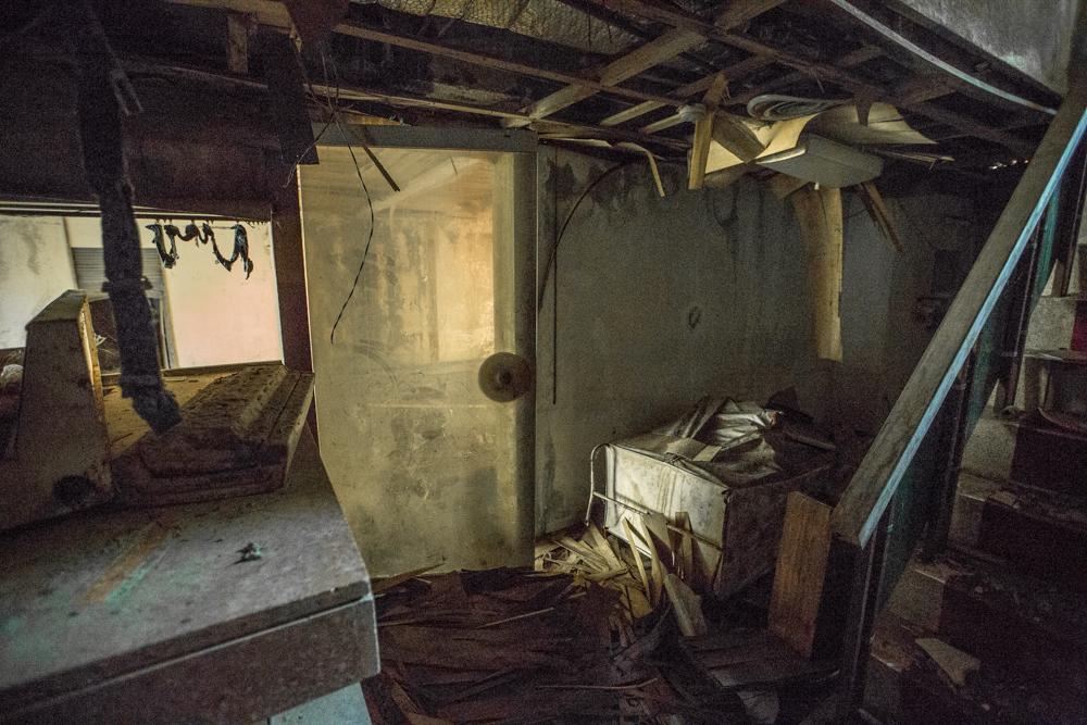 フロント裏側の扉付近の写真