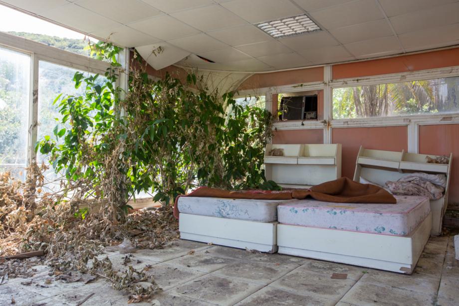 VENTUROの室内に寂しく残る二台のベッド