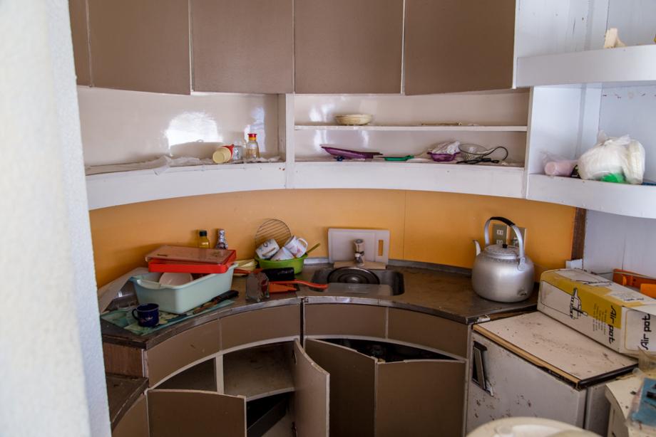 リビングの中心ある円形のキッチン