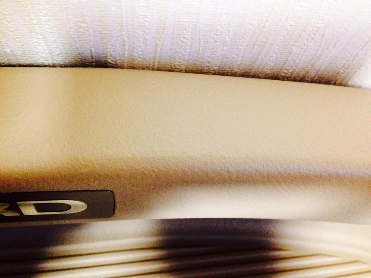 トヨタ/アルファードハイブリッド フロントドア ステップパーツの傷補修 札幌3