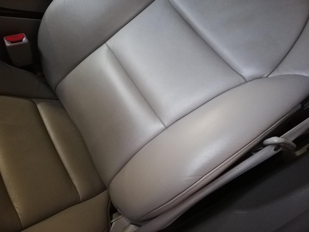 アキュラ/MDX 革レザーシートの擦れ・劣化1