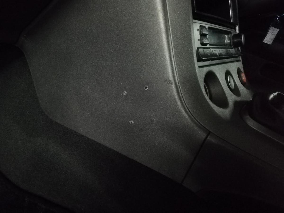 日産/シルビアS13 ダッシュボードのビス穴補修