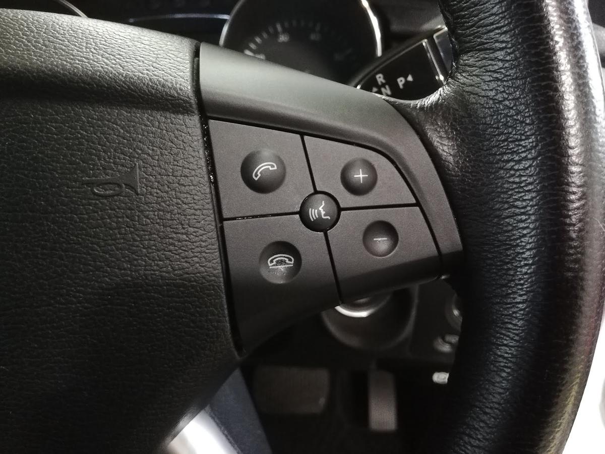 メルセデス・ベンツ/R350 スイッチパネルのベタベタ塗装クリーニング6