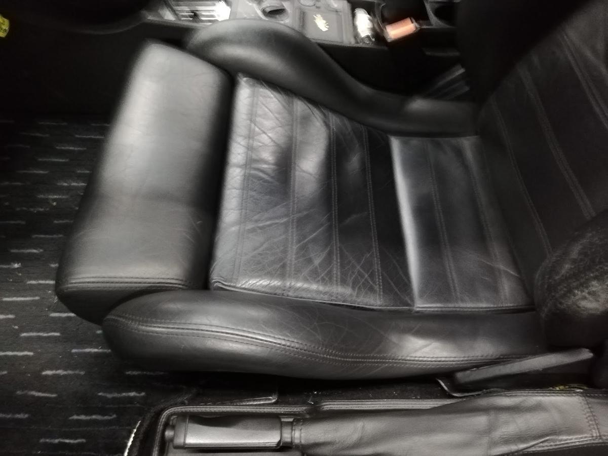 希少車フェラーリ/F355ベルリネッタ 本革シート擦れ・劣化の補修2