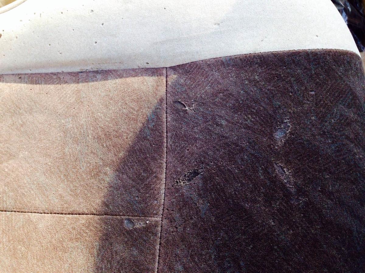 トヨタ/グランビア モケットシート座面+アームレストのタバコ焦げ穴補修2