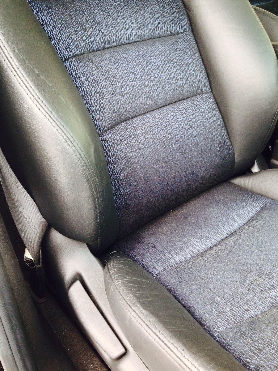 ホンダ/オデッセイ レザーシート擦れによる色抜け補修1
