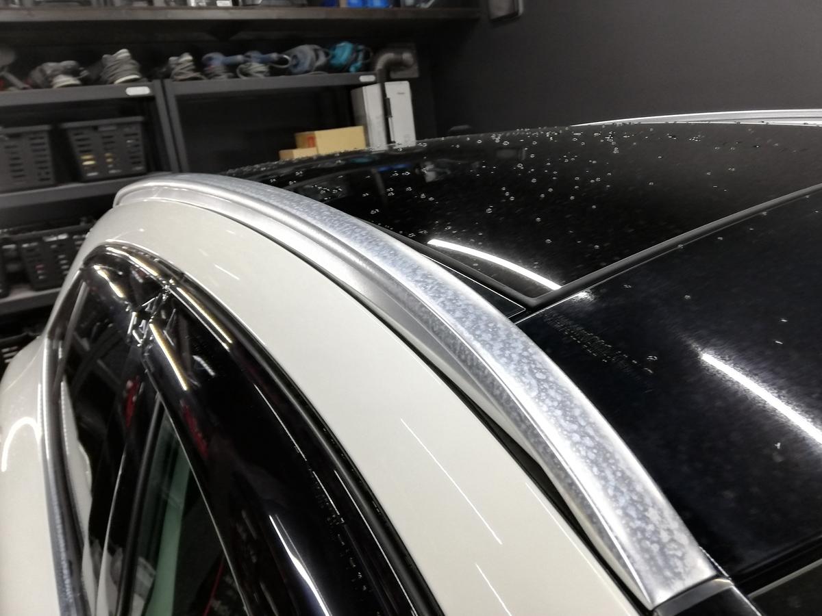 輸入車メルセデス・ベンツ/GLA250 アルミメッキモール腐食磨き+コーティング