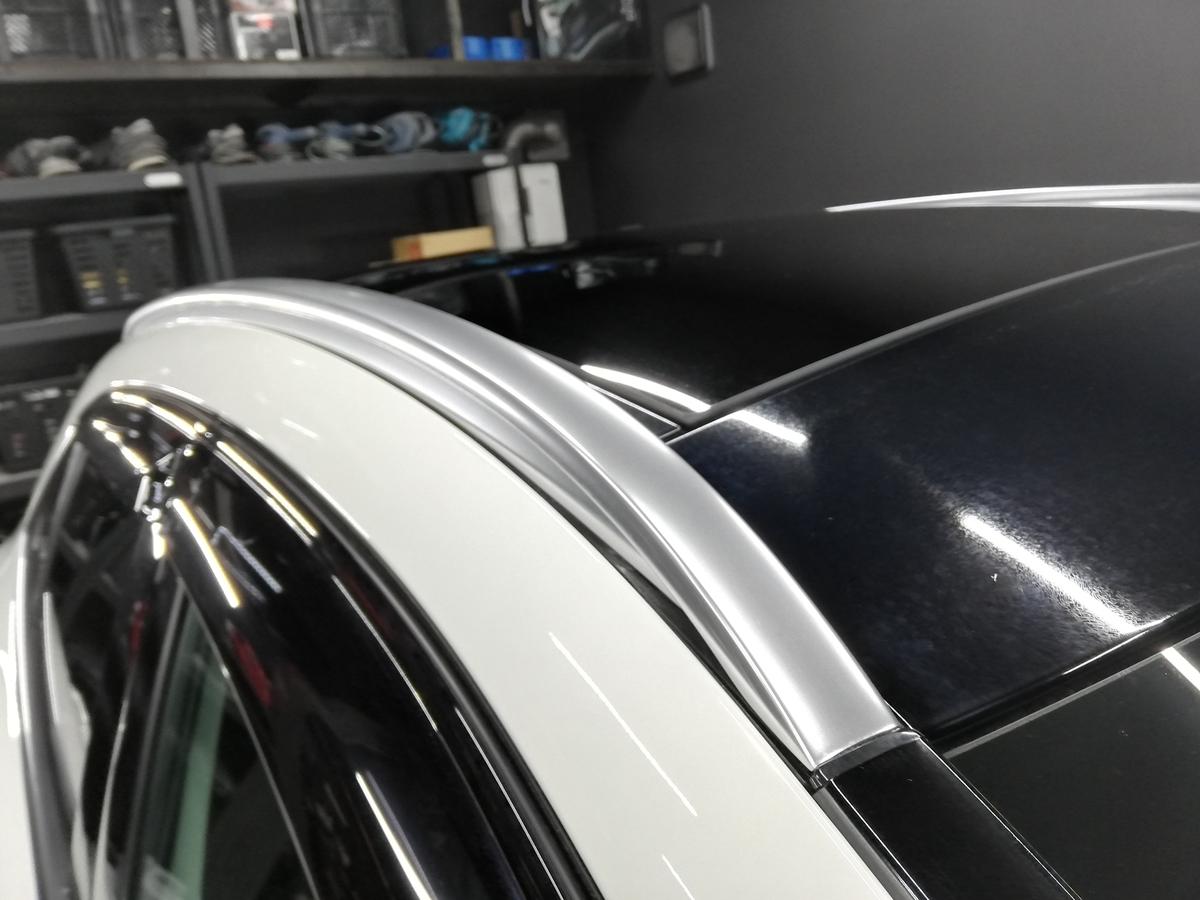 輸入車メルセデス・ベンツ/GLA250 アルミメッキモール腐食磨き+コーティング1
